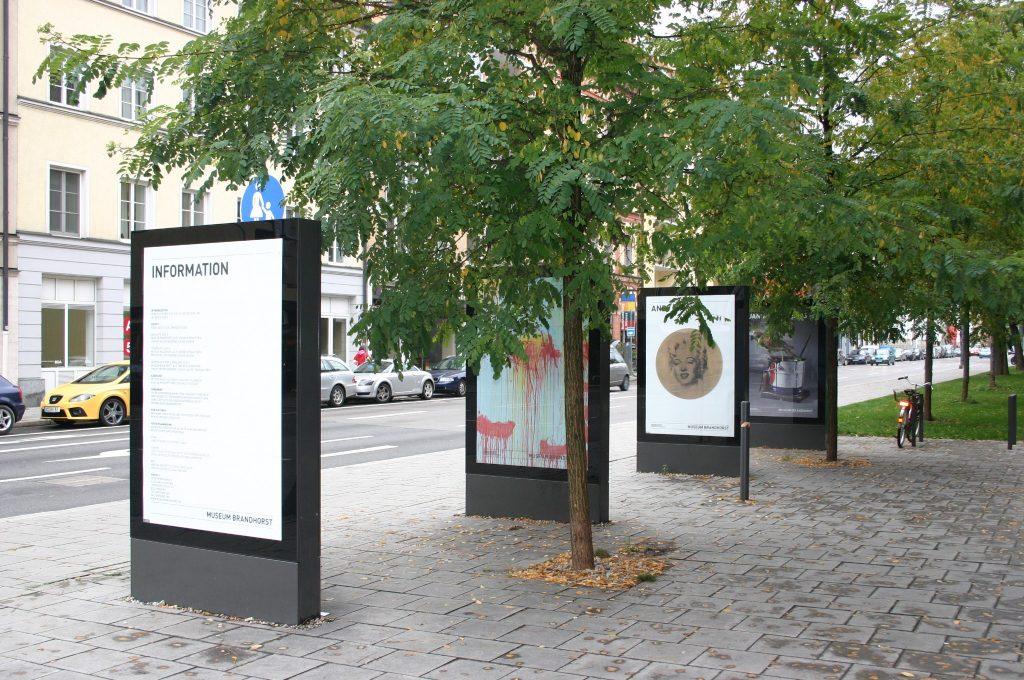 Government Signage Wayfinding on Street